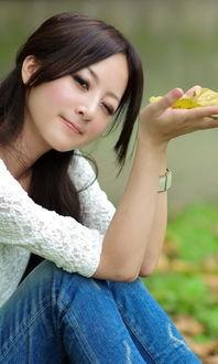 ...的校园清纯女孩手机QQ聊天背景图 校园清新女神QQ皮肤