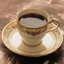 晚上玩梭哈、斗地主选择咖啡提提神吧!