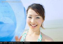 微笑的比基尼美女图片图片 654379
