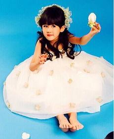 陆毅女儿艺术照变小公主 可爱美丽像妈妈-内地明星