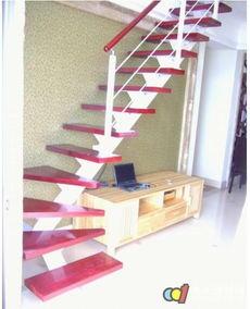 阁楼楼梯宽度一般多少 阁楼楼梯尺寸标准