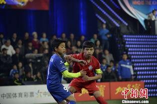 一个维族少年的足球梦 踢职业联赛 偶像C罗