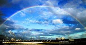 ...上海罕见的高温天气过后,云彩、蓝天成为黄昏的美景,令人难忘.  ...