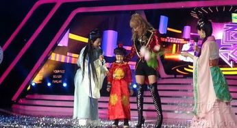 昨日,张亮携天天现身录制最新一季的《百变大咖秀
