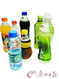 琥源-不少人在便利店或者超市里买到饮料后,都会当即扭开瓶盖,对着瓶口...