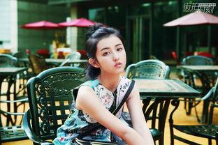 少女张子枫的甜美,是一种西瓜味儿泡泡糖般的清爽.然而00后的张子...