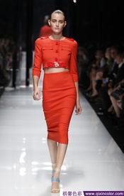 神九行走在太空上的时尚 女航天员服饰大盘点