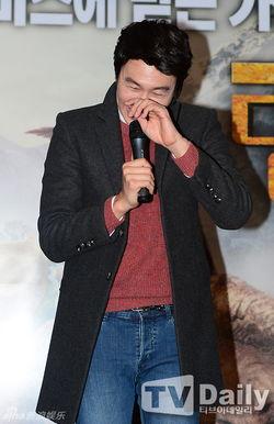 ...12月18日,韩国男演员李光洙参与配音的动画片《与恐龙同行3D》...