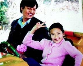 """对比之后,宋丹丹表示:""""看见姚晨秀她父母年轻时的照片,我也秀一..."""