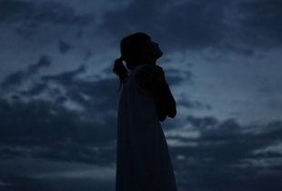 一步爱恋半步伤-...名 其实每一种爱情都差不多 渴望失望不停希望
