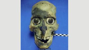 ...个令人毛骨悚然的面具的神秘面纱(图片来源:科瑞拉格斯代尔)-...