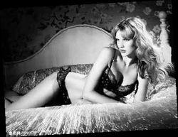 """挛e]v榛b {-胸罩一词来源于法语中的""""brassiere"""