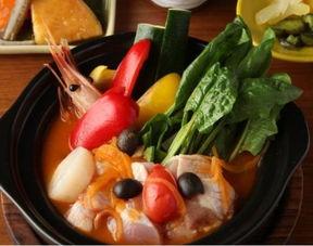鸡肉海鲜番茄锅-上海日式暖心锅物料理大搜罗 满料汤锅治愈你心