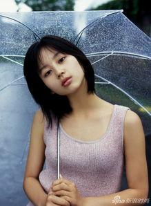 思瑞视频在线av- 堀北真希被誉为日本国民女星,因出演电视剧《野猪大改造》、《诈欺...