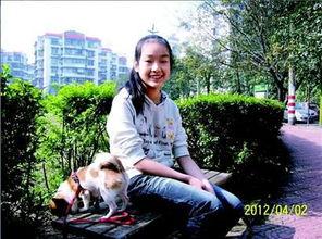 师范大学的学长学姐牺牲了中秋小长假迎接新生的到来.