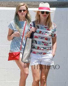 ...妈妈一样高了;Ava和妈妈瑞茜·威瑟斯彭(Reese Withers?-欧美明...