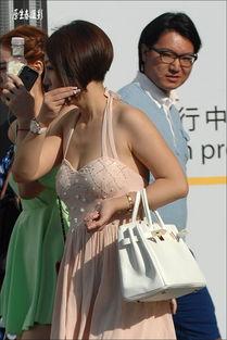 街拍 男人偷窥女人的搞笑表情