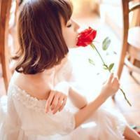 带花的女生头像