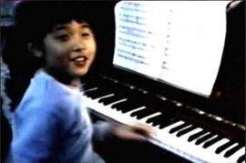 周杰伦与钢琴为伴的童年