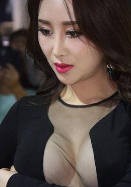 广州 车展女模真空 上阵豪放露点被叫停 广州频