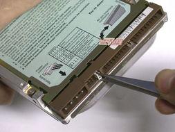三、安装硬盘与数据线-双硬盘安装方法