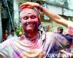 激情五月情色-洒红节是印度最盛大的节日之一,源于古代人们期盼丰收的活动,在每...