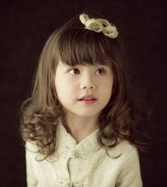 女童齐刘海时尚卷烫发-女童齐刘海怎么剪 女童齐刘海发型剪法