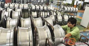...金加工企业工人在轮毂车间内忙碌生产.-滨州勇做世界铝产业发展 ...