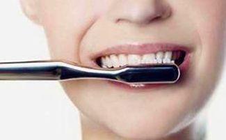 女生们很喜欢美白,肌肤白皙才是... 它主要是通过震动来达到清洁牙齿...