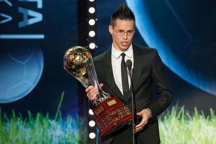 ...17.斯洛伐克足球先生:哈姆希克 在意甲踢球的哈姆希克成为2011年...