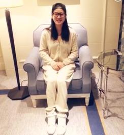 女生剃头发-为@刘西施 的女孩听到李敏镐偶像入伍消息后决定削发陪伴偶像并录制...