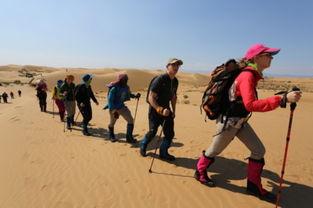 八位留学生徒步穿越沙漠,真实感受治沙人的工作生活环境-恩格贝奇...