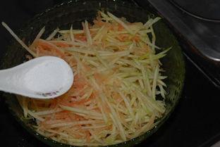 蛤蜊凉拌西瓜皮的做法
