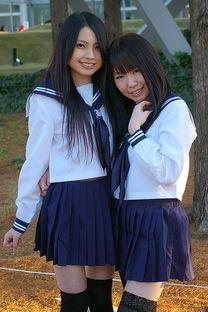 日本小学性感校服_小学生女生白袜_街拍小学生白袜_小学女生穿白袜露内-梨子网