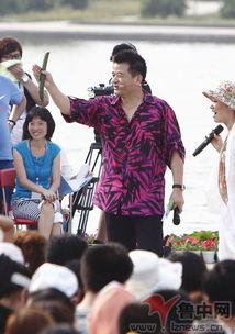 福剑,表演嘉宾李丹阳、朱之文、于文华、阿尔法等来到现场,与观众...