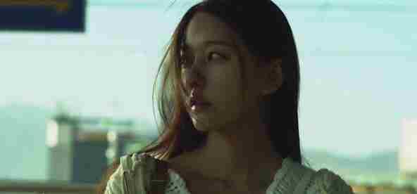 韩国电影寄宿公寓讲述少男留学期间的爱情故事