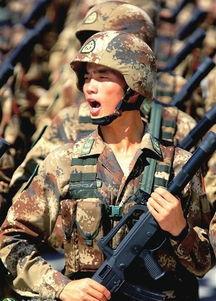 装备部队.图为特种兵方队持轻武器进行阅兵式训练.新华社记者      ...