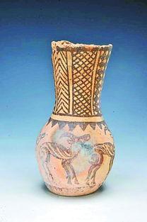 贝壳五分彩是正规的吗-日前的一次抢救性考古发掘,使新疆首件五羊纹彩陶出现在人们眼前....