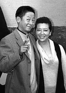 ...登陆东方卫视,讲述中年危机.编剧彭三源接受记者采访时更大夸两...