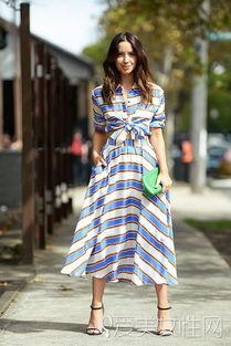 ...纹半身裙+黑色高跟鞋+绿色手包 -不想做剩女 你得要穿对