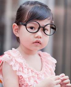治疗,参加儿童视力矫正中心开设的课程.然而并非每个孩子近视的原...