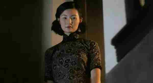 金星汤唯梅艳芳张曼玉刘亦菲 为旗袍而生的女星谁穿出窈窕韵味