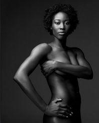 ...2012 高球美女携汉娃全裸出镜