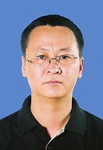 6年12月生,朝鲜族,中共党员,在职研究生学历.曾