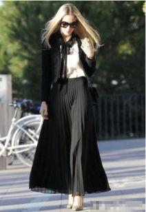 黑色裙子搭配图片 黑裙子搭配图片