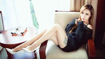 街拍 都说这美女有着一米八大长腿,看到她穿的鞋真的信了