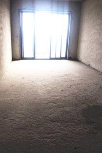 台   鞋柜隔一堵墙就是   厨房   ,看起来好小,售楼*又说装修后,就显...