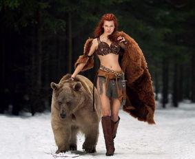Cosplay照片惊艳了世界.Tina身上有着少女的率真和俄罗斯民族特有...
