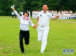 ...编队启程回国 朝鲜美女军官雨中送行