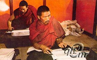 万五千颂》、《贤劫经》等20余函.近年又从四川德格、西藏拉萨等地...